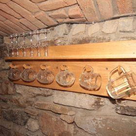 Držáky na sklenice na pivo a víno