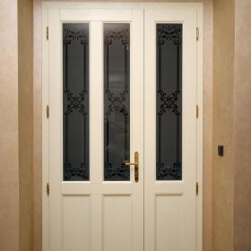 Luxusní dveře do bytu v Praze 1