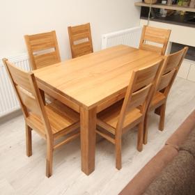 Set jídelní stůl a šest židlí