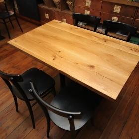 Dubové masivní stoly do restaurace