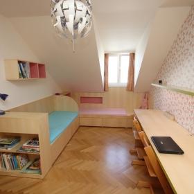 Dětský pokoj z javorové dýhy
